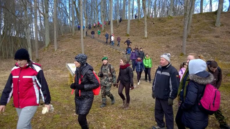 prie-molavenu-piliakalnio-2016-03-12